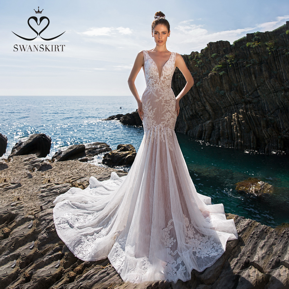 Sexy Backless Mermaid Wedding Dress 2019 Swanskirt Deep V-neck Appliques Lace Beaded Bride Gown Illusion Vestido De Noiva UZ30