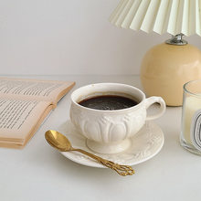 Cutelife Nordic Carved White Ceramic Cup Vintage Breakfast Drinkware Reusable Coffee Cup Set Wedding Decorative Handle Tea Cup