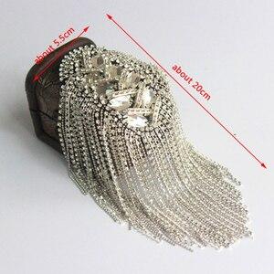 Image 5 - مجوهرات عصرية مصنوعة يدويًا على الكتف مزينة بشراشيب من أحجار الراين إكسسوارات ملابس بروش على الكتف دبابيس