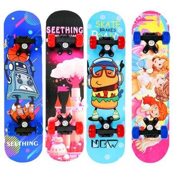 El nuevo skateboard 60*15*10cm de cuatro ruedas de doble inclinación de hoja...