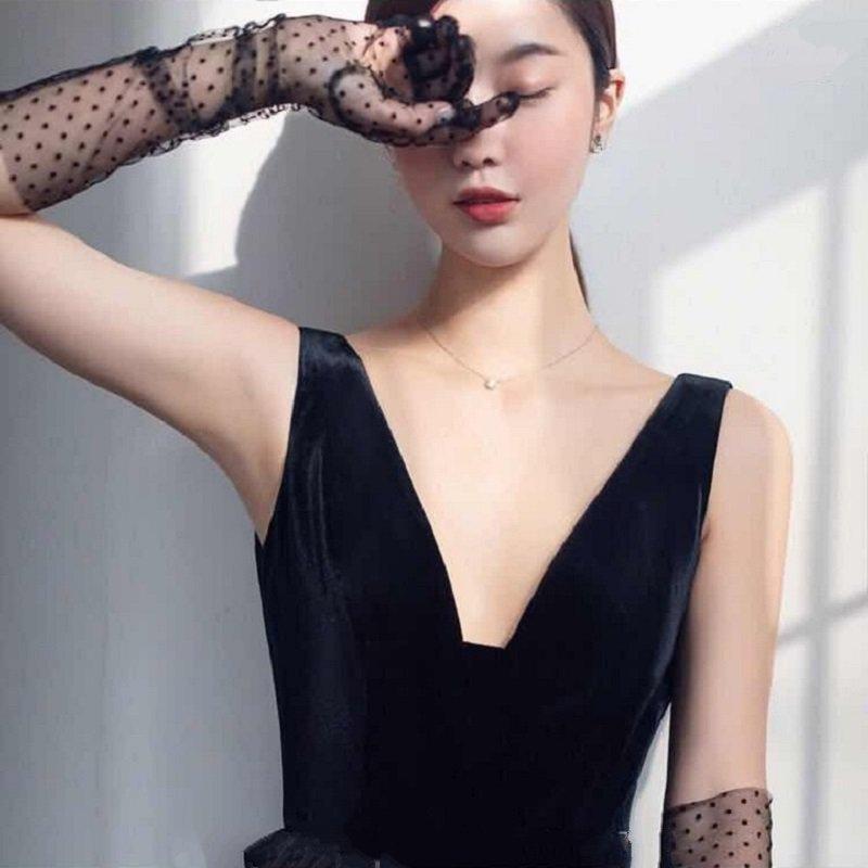Heart Shape Lace Long Gloves Stretch Tulle Mesh Semi Sheer Touchscreen Black Gant Nitrile Wedding Finger Gloves ST380