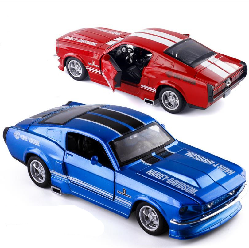 1:32 Ford Mustang Alloy Pull Back Car Model,children's Educational Toys,simulation Sound And Light,4 Door,free Shipping