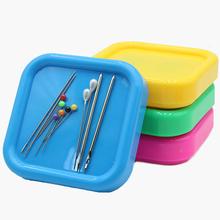 MIUSIE 4 kolory pudełko magnetyczne szpilki do przechowywania przypadku robótki przechowywania Anti-lost kwadratowe pudełka do przechowywania igły do szycia narzędzie do haftu tanie tanio Części do Maszyn do szycia Haft krzyżykowy Tak ( 50 sztuk) Z tworzywa sztucznego Magnetic Box Storage MU1688-MU1691