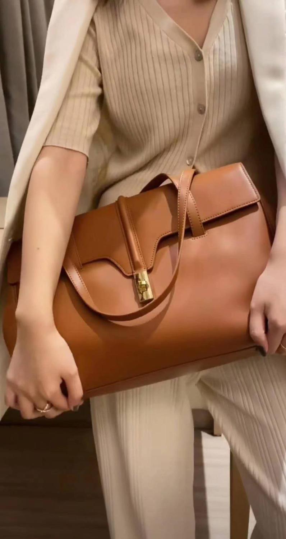 Большие вместительные кожаные сумки через плечо большие размеры