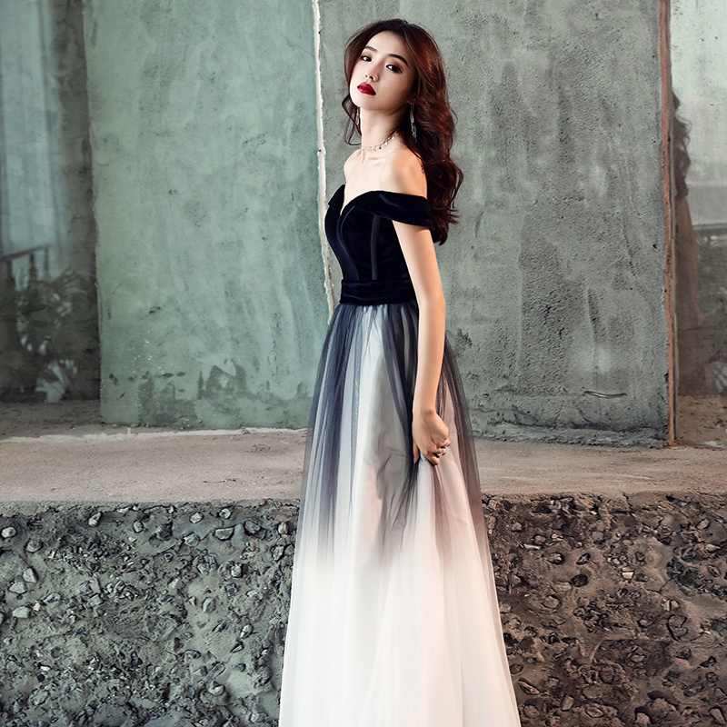 New Off-The-Shoulder Evening Dress Long Black New Fashion Simple Party Dress Temperament Elegant Princess Queen Prom Gown WAYJ