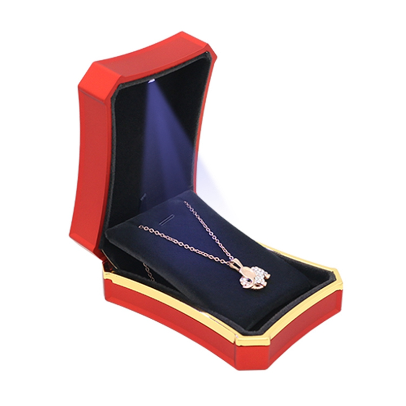 High Quality Affordable Price pendant necklace Packing display hold box LED lights fashion small Portable jewelry case