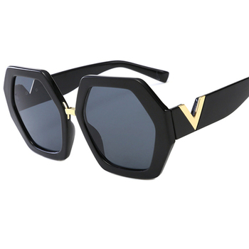 2021 Luxury Square Sunglasses Ladies Fashion Glasses Classic Brand Designer Retro Sun Glasses Women Sexy Eyewear Unisex Shades - Smoky Gray