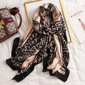 Image 3 - Luksusowa marka zimowy szalik, lampart szalik kobiety, miękkie pashminy, szale i chusty, Sjaal muzułmański hidżab, nadruk zwierzęta lampardo, peleryna 4.