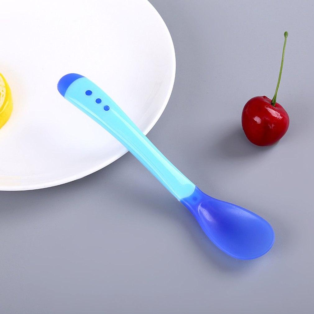 1 шт. детская посуда для кормления ложка с датчиком температуры вилка безопасная силиконовая детская посуда ложки для кормления 6 цветов - Цвет: 1
