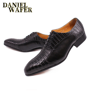 LUXURY BRAND MEN OXFORD SHOES LACE UP POINTED TOE BLACK BROGUE OXFORDS MEN DRESS WEDDING OFFICE LEATHER SHOES FORMAL SHOES MEN shidiweike new women platform oxfords brogue flats shoes suede leather lace up square toe luxury brand red black creepers b490