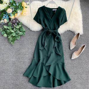 Image 1 - 7 kolorów Plus rozmiar lato Sexy elegancki dekolt do kolan trąbka syrenka szyfonowa Pure Color sukienki koktajlowe sukienka koktajlowa