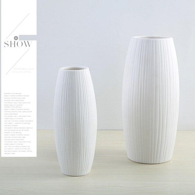 New European Simple White Ceramic Vase Nordic Home Flower Inserter Modern Simple Vases Creative House Living Room Decorations 2
