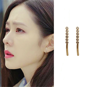 Son Ye Jin same 2020 fashion new arc Earrings Korean one line Earrings image