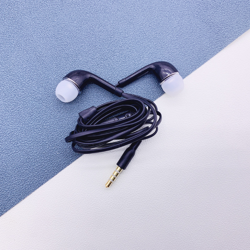 2020 Hot Sale Wired <font><b>Earphones</b></font> 3.5mm Wired Headphone With Built-in Microphone Sport Headsets For Samsung J5 S7 S8 <font><b>S9</b></font> Xiaomi Huawe image