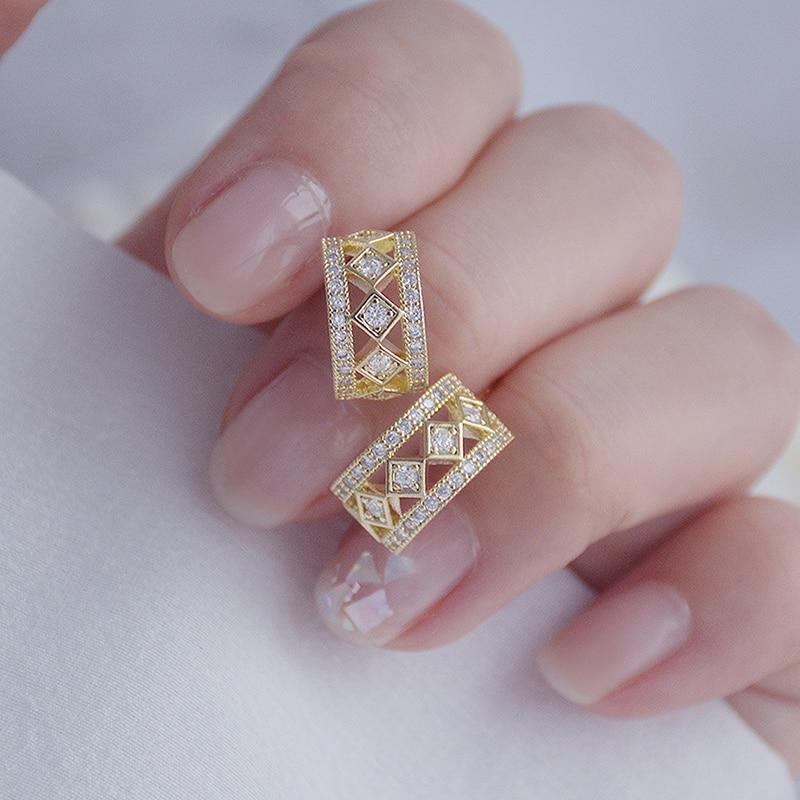 Korean Exquisite Inlaid Zirconia Circle Hollow Earring for Women AAA Zircon Charm Trendy Minimalist Stud Earring Wedding Pendant