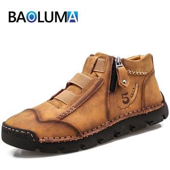 Markowe męskie buty skórzane odkryte męskie buty męskie buty zachodnie wodoodporne męskie botki oddychające męskie jesienne buty tanie i dobre opinie BAOLUMA podstawowe CN (pochodzenie) Z dwoiny ANKLE Drukuj NONE Plush okrągły nosek RUBBER Zima Mieszkanie (≤1cm) Dobrze pasuje do rozmiaru wybierz swój normalny rozmiar