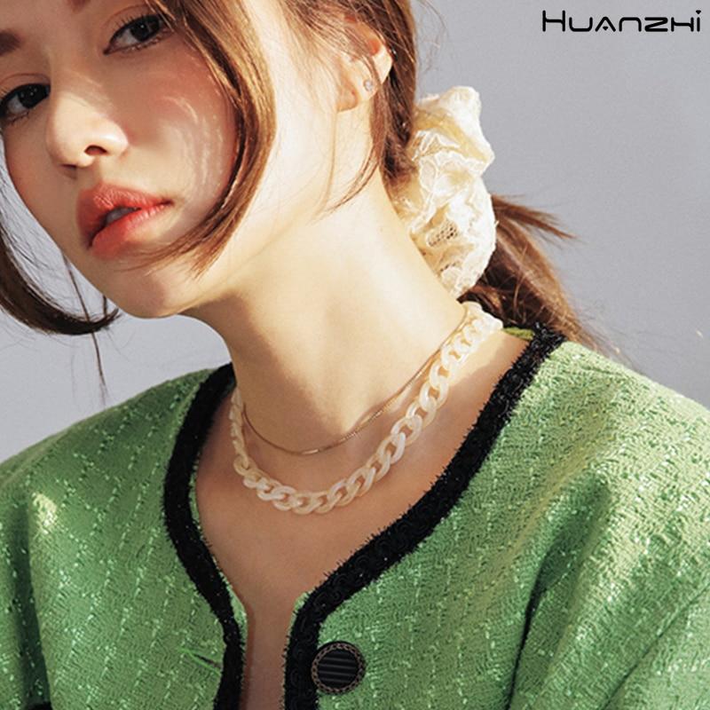 HUANZHI-2020-New-Korea-Summer-Retro-Transparent-Acrylic-Link-Chain-Short-Clavicle-Choker-Necklace-for-Women (1)