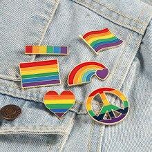 Lgbt bandeira arco-íris coração broche paz e amor esmalte pinos saco de roupas lapela pino gay lésbica orgulho ícone distintivo unissex jóias presente