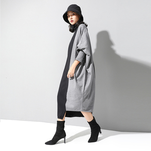 Image 3 - [EAM] Frauen Kontrast Stricken Große Größe Kleid Neue Hohe Kragen Lange Flügel Hülse Lose Fit Mode Flut Frühjahr herbst 2020 1D675
