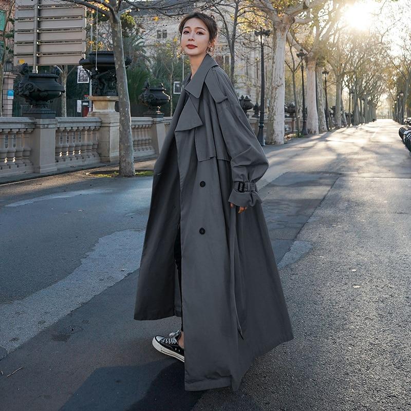 Корейский стиль свободные длиной до пола Для женщин Тренч двубортным поясом дамский плащ ветровка Весна-осень верхняя одежда серого цвета