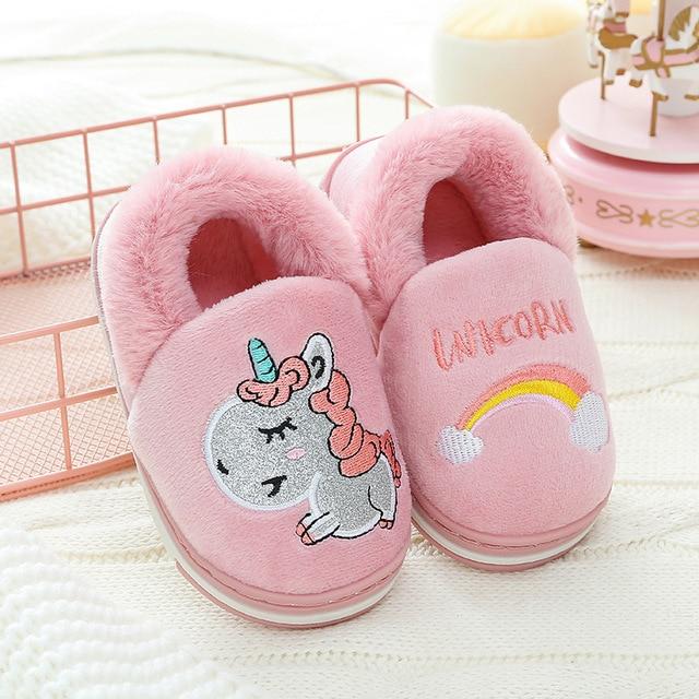 Новые зимние детские тапочки с единорогом для маленьких мальчиков, домашняя детская обувь для девочек, меховые шлепанцы, хлопковые шлепанц...