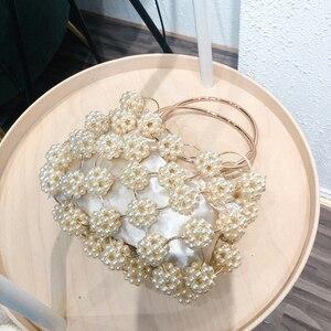 Image 2 - Aushöhlen Perle Ball Abend Tasche Frauen 2019 Koreanische Handmade Metallic Ring Griff Damen Perlen abend Kupplung Tasche Geldbörsen Gold