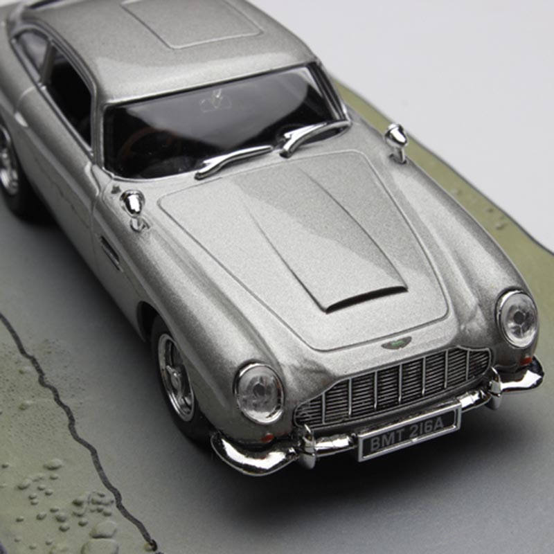 1:43 scale 007 movie die-cast metal car model simulation alloy car toy adult children collection gift indoor display image