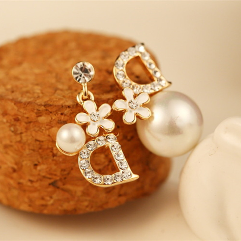 CX Shirling Real Picture New Luxury Fashion Real Rose Gold Crystal Pearl D Letter Flower Earring Women High Quality Earring in Stud Earrings from Jewelry Accessories