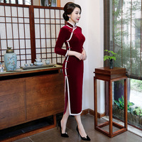 Autumn 2019 new mother solid color cheongsam velvet long lace long sleeve cheongsam dress Chinese traditional dress for women