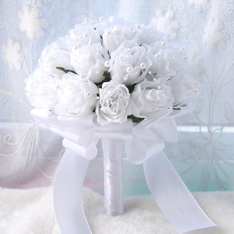 Mariées tenant des fleurs, imitant les diamants d'eau coréens cadeau de mariage de luxe pour les bouquets de mariage