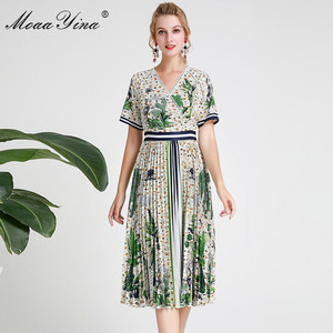Image 2 - MoaaYina Fashion Designer Runway dress Spring Summer Women Dress Short sleeve V neck Coconut tree Print Vacation Dresses