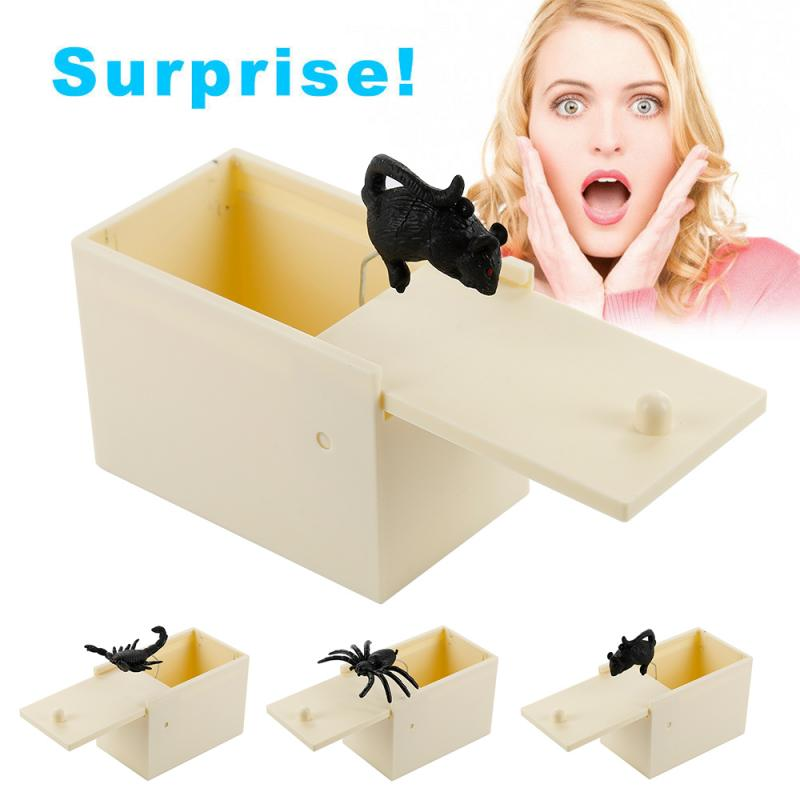 2019 New Wooden Prank Trick Practical Joke Home Office Scare Toy Box Gag Spider Mouse Scorpion Toy Kids Funny Christmas Gift