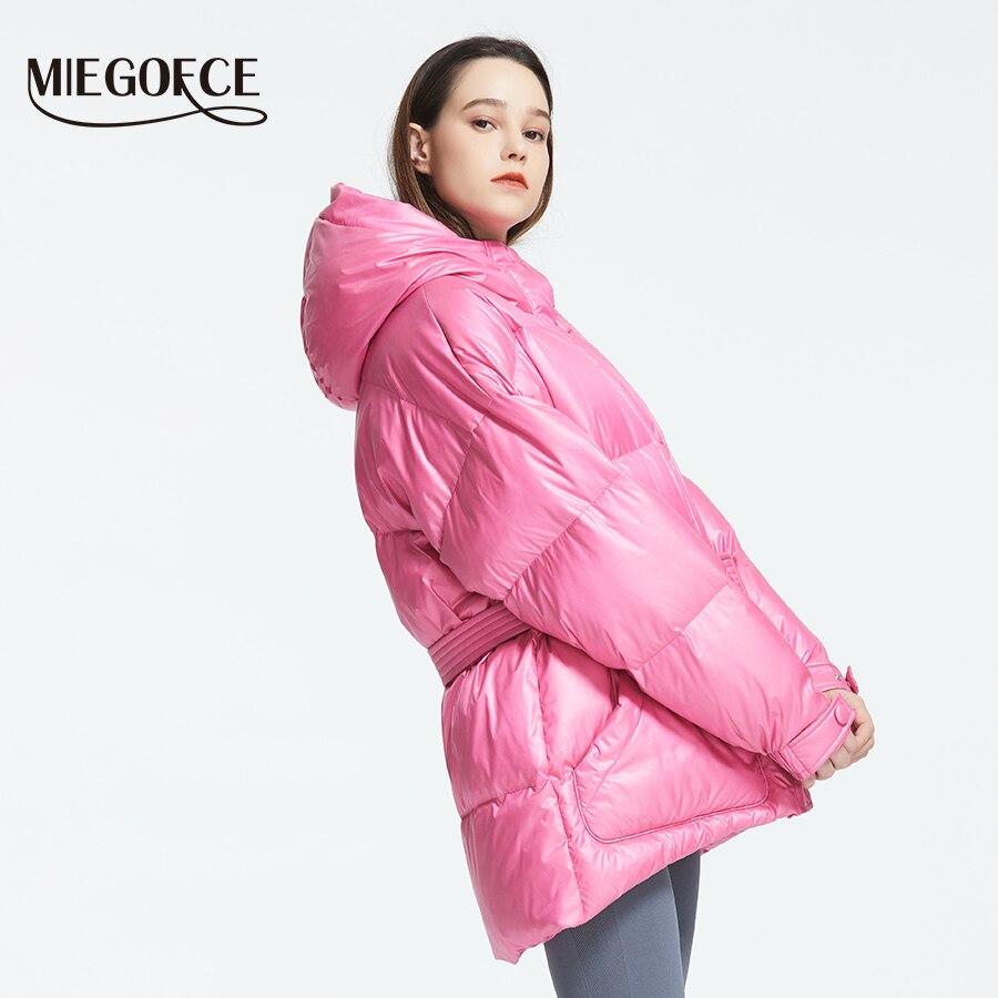 MIEGOFCE 2019 Новая зимняя женская куртка высокое качество яркие расцветки утепленные дутые куртки стойкий воротник с капюшоном Куртка утепленн...