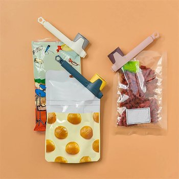 Creative Snacks Sealed Milk Powder Clip Discharge Spout Clip Food Bag Fresh-keeping Clip Food Storage Sealing Clip image