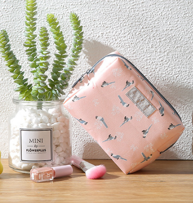 Fashion Mini Purse Toiletry Sweet Floral Cosmetic Bag Travel Wash Bag Organizer Portable Beauty Pouch Kit Makeup Pouch Make Up Multan