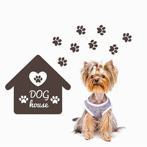 Etiqueta engomada de la pared de Casa de perro personalizada vinilo decoración del hogar tienda de mascotas nombre de Perro personalizado pisadas de pata calcomanías Mural extraíble A530