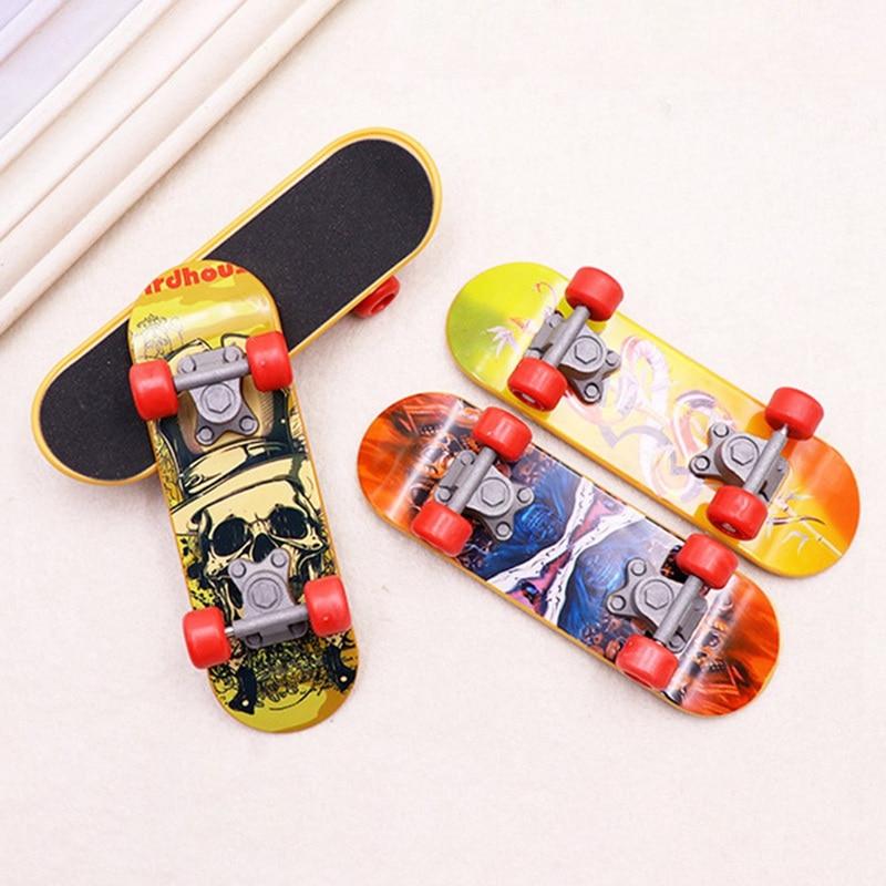 Random Style Miniature Fingerboard Skateboard Children Fingerboards Fun Game Boy Truck Sport Finger Skateboard Kids Toy Gifts