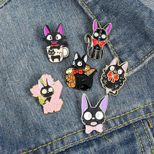 QIHE JEWELRY Cute Black Cats Enamel Lapel Pins Cartoon Animals Brooches Badges Fashion Kitty Pins Gifts for Friends Wholesale