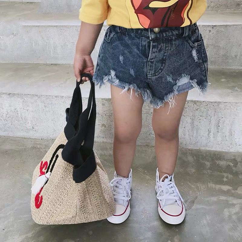 Summer girls jeans baby denim shorts kids shorts children streetwear toddler hot bottoms ripped tassel pocket 2 to 7 yrs