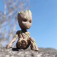 6CM Disney Tree Man Groot Action Toys Cartoon Movie Avengers Mini Sitting Groot Toys Guardians Of The Galaxy Figure Toy Kid Gift