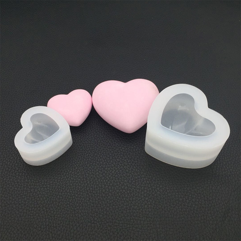 Heart Shape Crystal Epoxy Mould Stereo 3D Mirror Love Pattern Silicone Mold Practical DIY Handcraft Soap Candle Making Tools