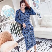 2019 winter new Korean temperament V-neck slim waist knitted fashion leopard jacquard dress