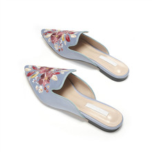 2020 Women 's Sandals Classical Embroidery Pointed Toe One Pedal Lazy Low Heel Thick Heel Slippers Comfortable Jelly Shoes Adult stylish women s slippers with pointed toe and solid colour design