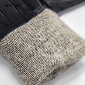 Image 5 - Luvas femininas quentes nubuck couro genuíno luva zíper decorar inverno nova pele de carneiro genuíno lã forrado senhora mittens