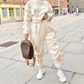 Rapwriter Herbst Winter Warm Halten Pelzigen Gemütliche Joggers Hosen Frauen Streetwear Solide Faux Wolle Sweatpant Fleece Pantalon Weiß
