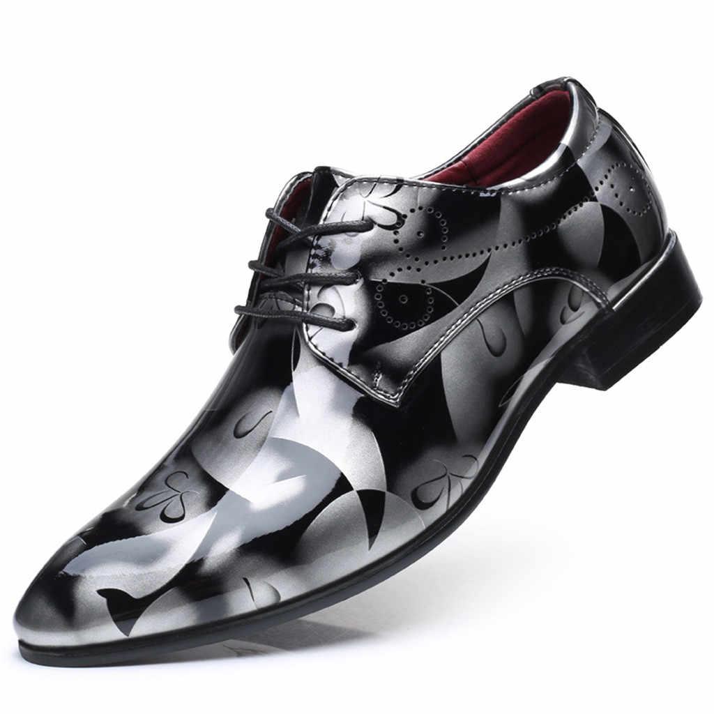 高級ビジネスレースアップ革の靴男性通気性の正式なドレスシューズ男性オフィスの花のプリント靴モカシンオム