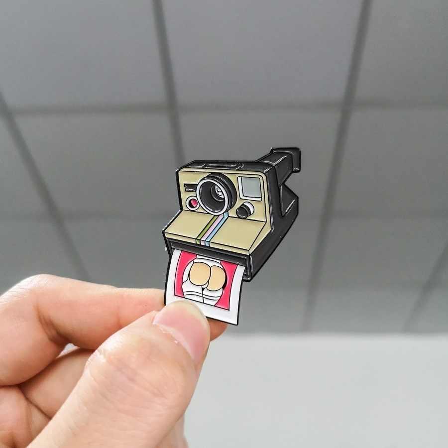 1 sztuk Meme kamera retro emalia szpilki śmieszne 90s' aparat natychmiastowy zdjęć dżinsy worek na koszulę odznaka broszki przypinka dla przyjaciół