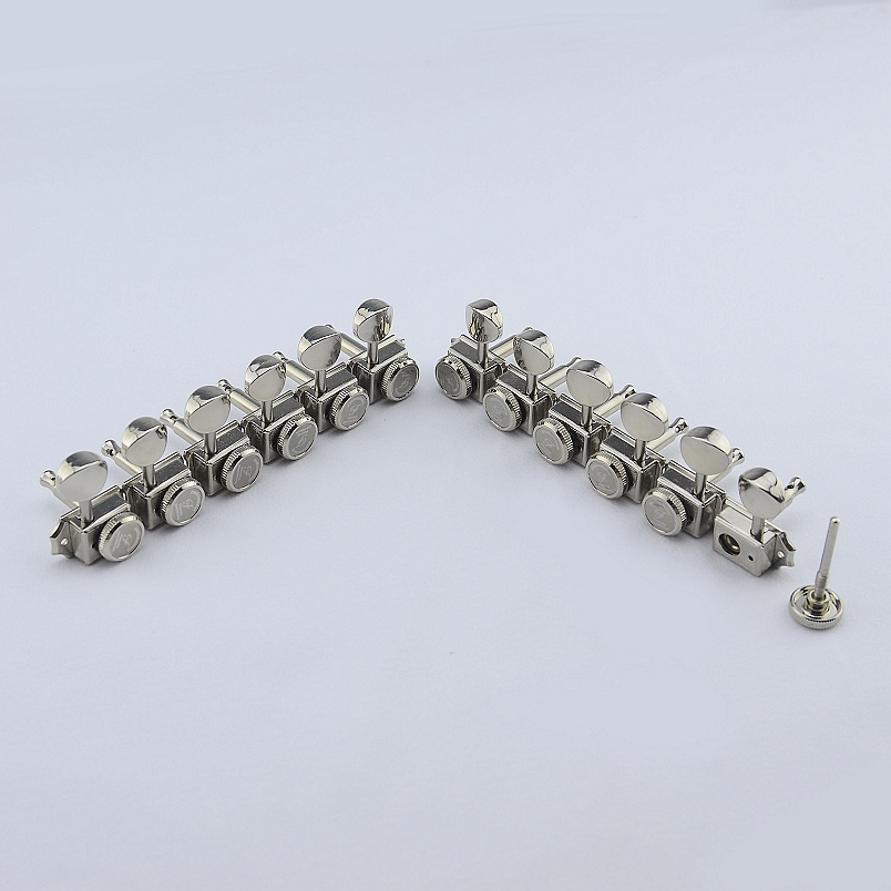 1 Set ( 6 Pieces ) GuitarFamily  Locking  Vintage  Guitar Machine Heads Tuners  ( Nickel )  MADE In Taiwan