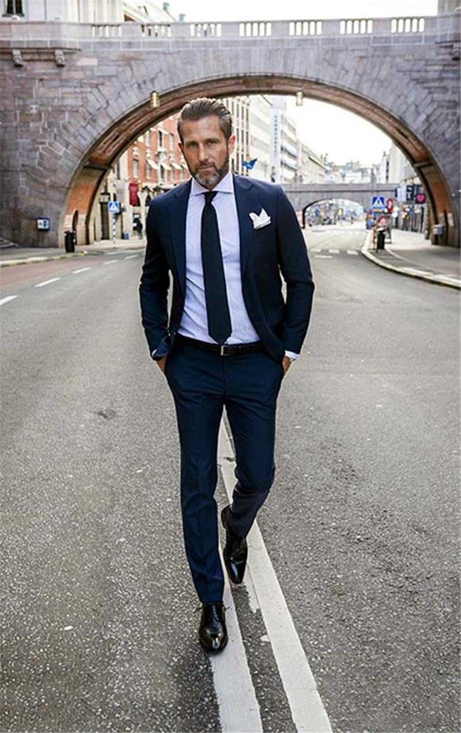 Handsome Navy Blue Men Wedding Tuxedos Slim Fitted Suits Groom Suit Two Pieces Groomsmen Prom Father Suits (Jacket+Pant)