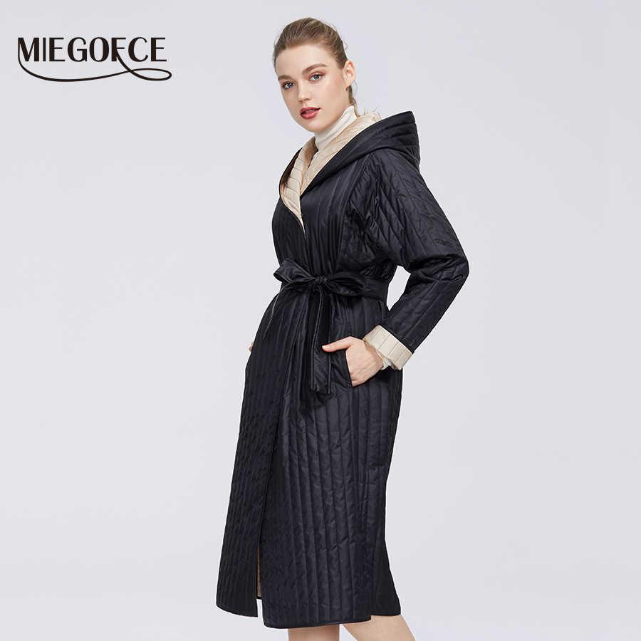 MIEGOFCE 2020 ออกแบบใหม่คอลเลกชันฤดูใบไม้ผลิผู้หญิงแจ็คเก็ตพร้อมสายคล้องช่วยให้กับ Hood กลางเข่าความยาวกระเป๋า Parka